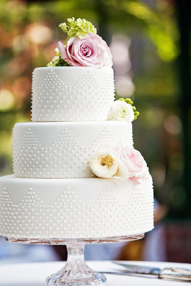 Merry Monday | Simple, Plain, Elegant Wedding Cakes | MerryMe Events